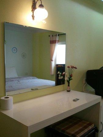 Dozy House: cute bedroom