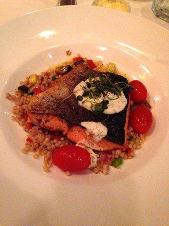Nola Restaurant: Pan Roasted Salmon