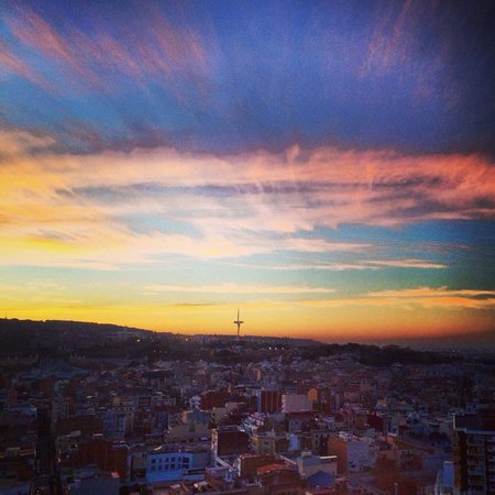 Gran Hotel Torre Catalunya: sunrise from room