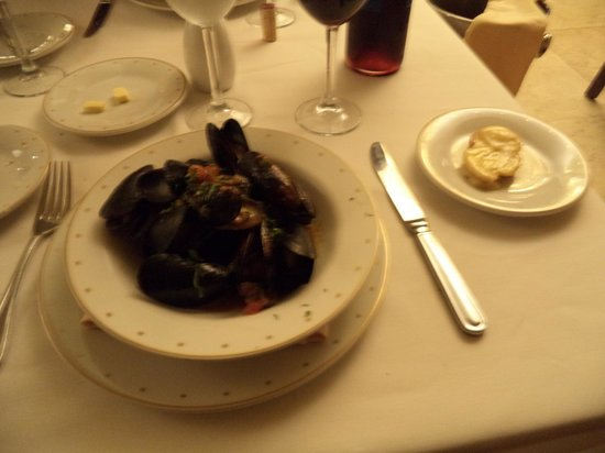 Hyatt Ziva Los Cabos: Mussels at the French Resto - SO GOOD!