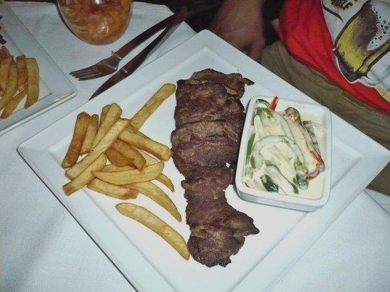 El Mediterraneo: Burnt steak