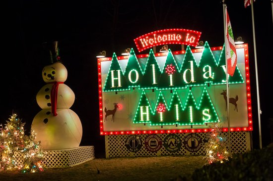 Sign at entrance of Holiday Hills - Picture of Busch Gardens ...