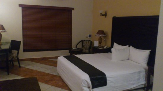 Colosseum Hotel & Fitness Club: room