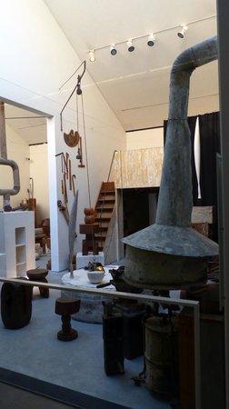 atelier brancusi sculpture picture of atelier brancusi paris tripadvisor. Black Bedroom Furniture Sets. Home Design Ideas