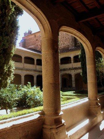 Monasterio de San Jerónimo de Yuste: Claustro gótico (s. XV)