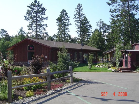 Wildwedge RV Park and Lodge: Golf Clubhouse