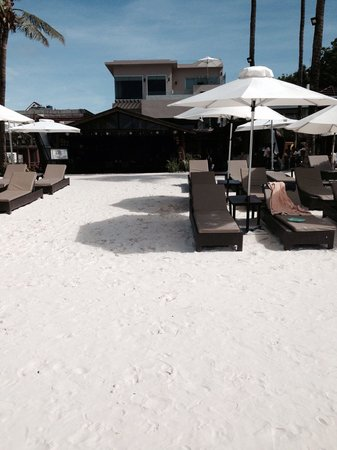Two Seasons Boracay Resort: Beach area