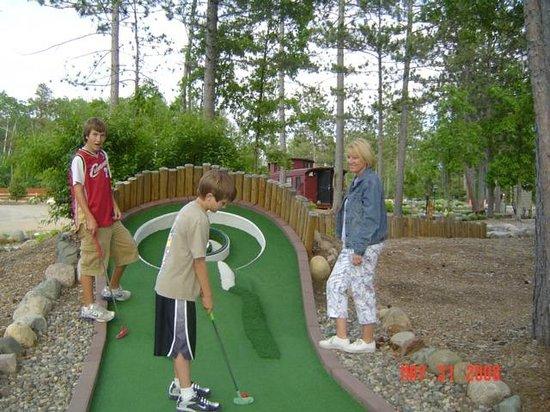 Wildwedge Golf, Mini Golf and Maze: Mini Golf
