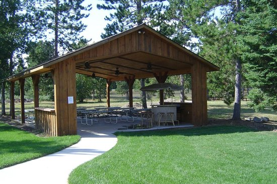 Wildwedge Golf, Mini Golf and Maze: picnic pavilion