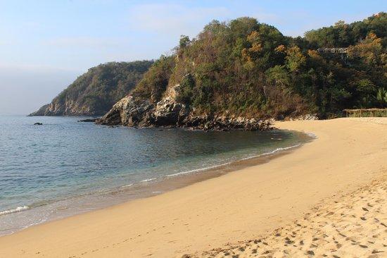 Bahia de la Luna: la indescriptible playa