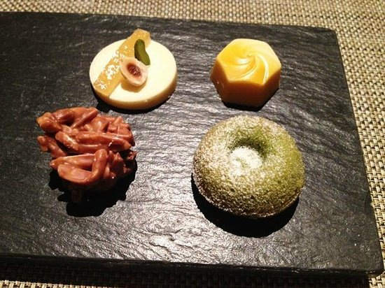 Osia Steak and Seafood Grill: Sweet Treats with the Coffee