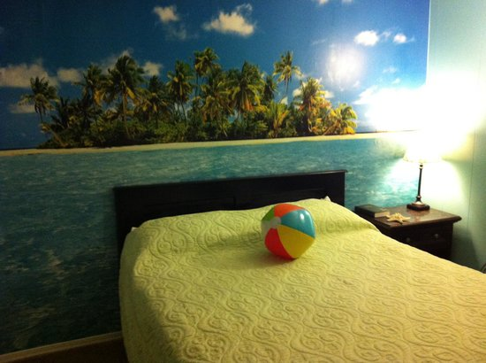 True Vine Plantation Inn: Beach Theme Room