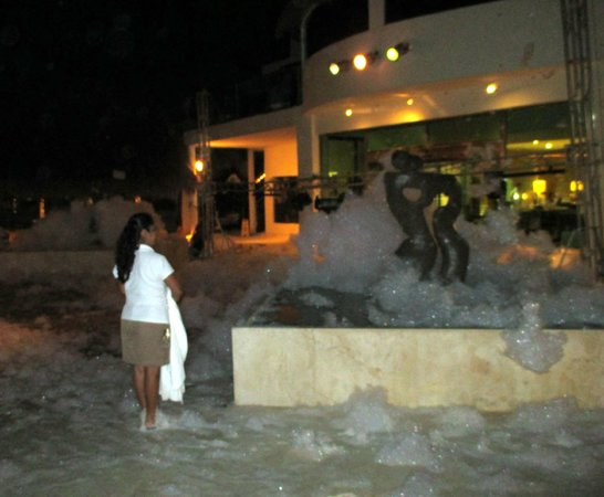 Desire Riviera Maya Resort : After the foam party