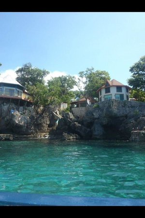 Xtabi Resort: Cottages view from the water.