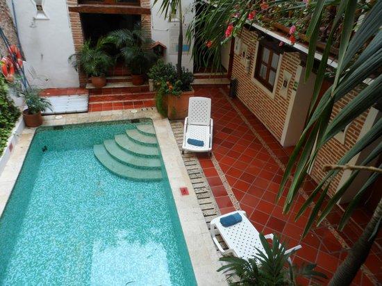 Hotel Don Pedro de Heredia : vista de la piscina. Limpia y agradable