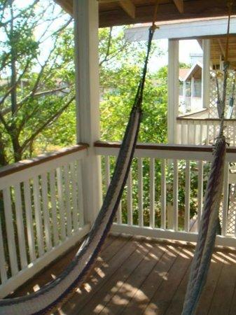 Henry Morgan Beach Resort: hammock