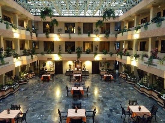 Fiesta Tijuana Hotel : patio interno fumatori