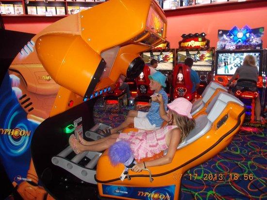 Arcade City at The Island: Great family fun!