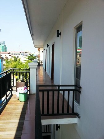 Suite Home Boutique Hotel: Verandah to the room