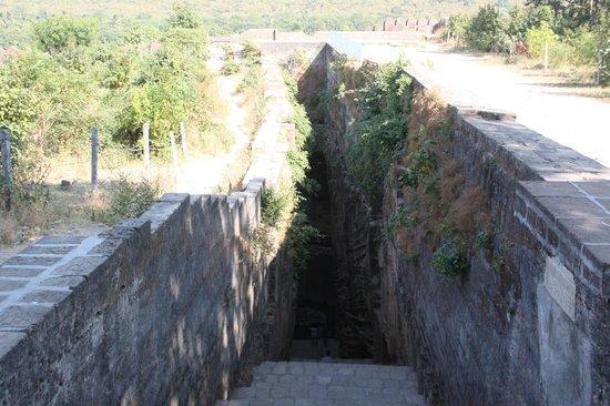 Uperkot Fort: Adi-Kadi vav