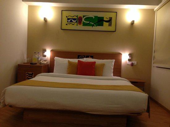 Lemon Tree Hotel, Chennai: The Bed