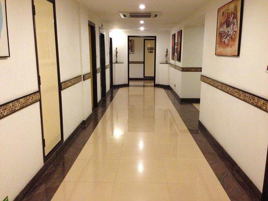 Lemon Tree Hotel, Chennai: Corridor