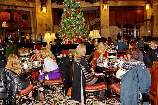 The Brown Palace Hotel and Spa, Autograph Collection: Tea time in the lobby