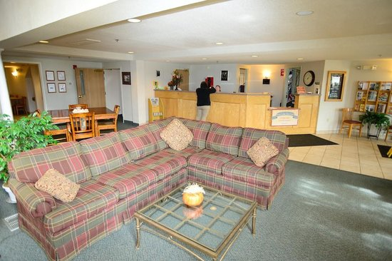 Ameriway Inn and Suites: Lobby
