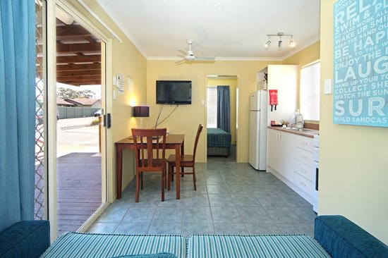 Currarong Beachside Holiday Park : Lighthouse cabin for that Romantic Getaway
