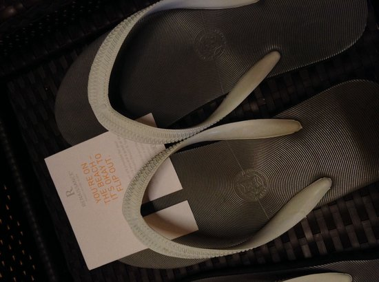 Renaissance Phuket Resort & Spa : Free slippers!