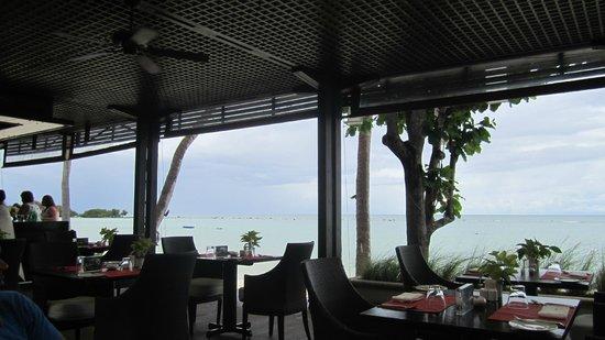 Chom Talay Restaurant: Lunch at Chom Talay