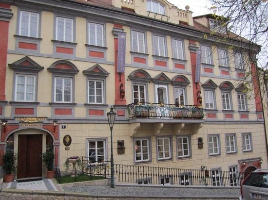 Exterior Alchymist Prague Castle Suites