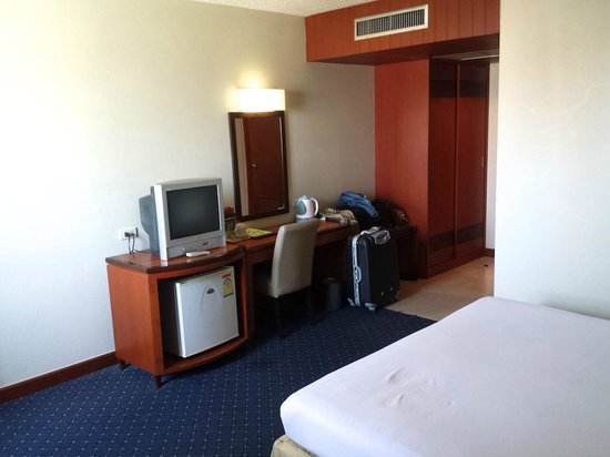 Hadyai Golden Crown Hotel: Standard Room interior