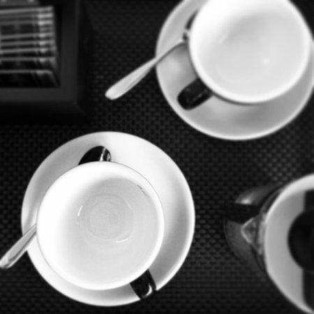 Adelphi Hotel : Order up tea & coffee facilities
