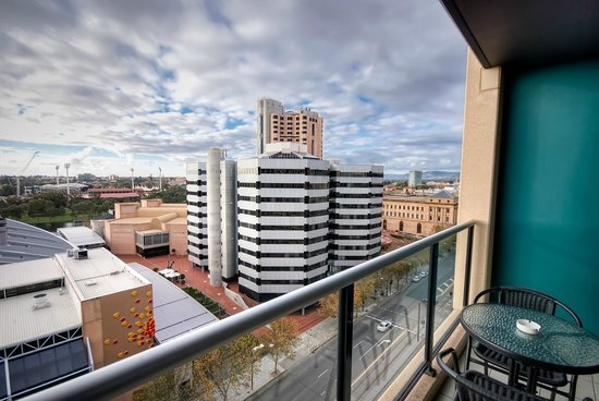 La loft apartments north terrace adelaide australien for 21 south terrace adelaide