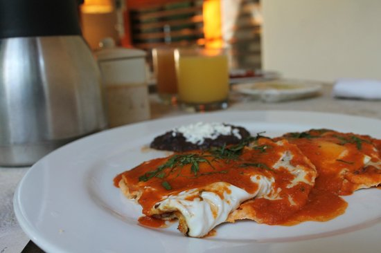 Viceroy Riviera Maya: One of many breakfasts in our villa