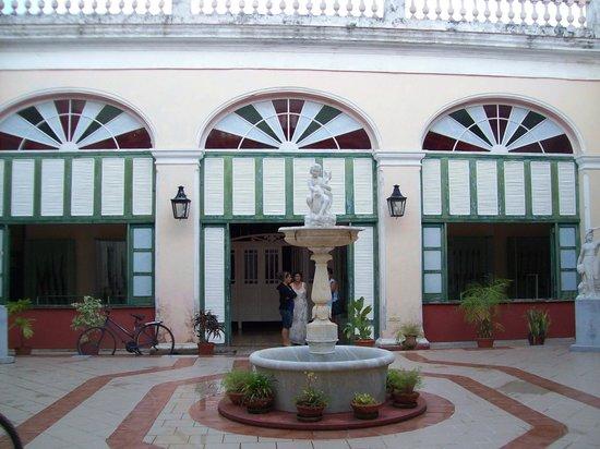 Cardenas, Cuba: Museum courtyard