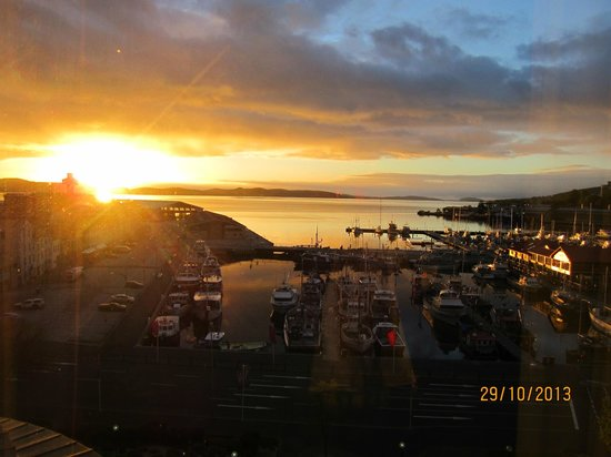 Grand Chancellor Hotel Hobart: Sunset from the Grand Chancellor Hobart