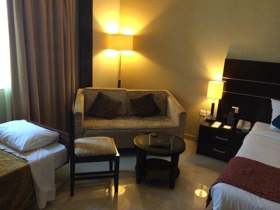 Landmark Hotel Riqqa : Typical room setup