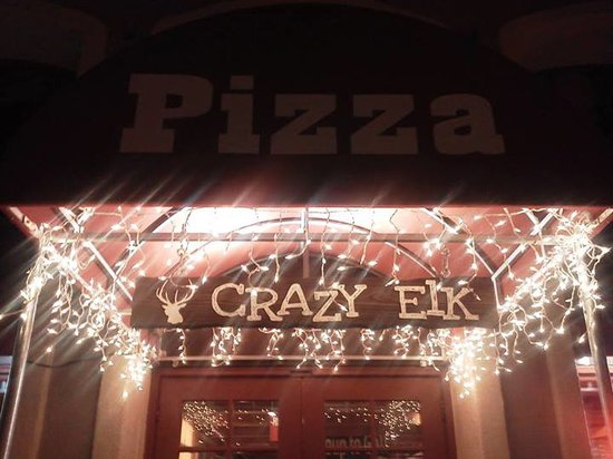 Crazy Elk Pizza: Christmas time!