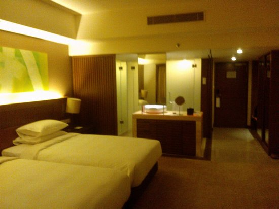 Hyatt Regency Kinabalu : optional sliding door