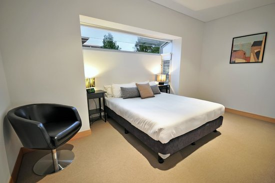 La Loft Apartments Parkside: Two Bedroom Apartment - Master Bedroom