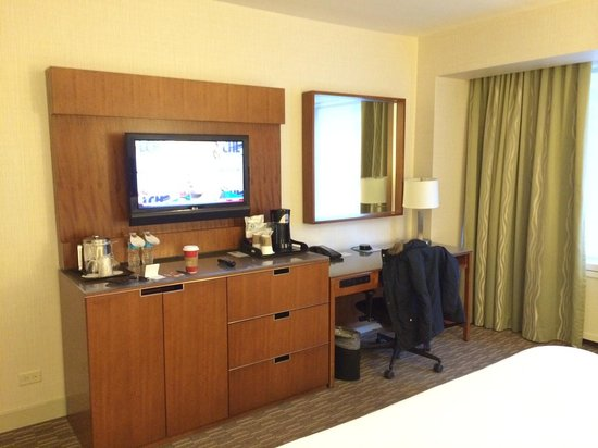The Westin Calgary: Deluxe King Room (SPG Floor)
