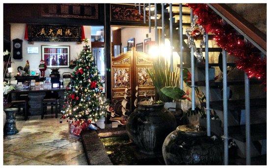 Courtyard @ Heeren Boutique Hotel : Lobby during Christmas season