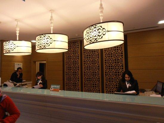 Hilton Garden Inn Istanbul Golden Horn Turkey: The front desk