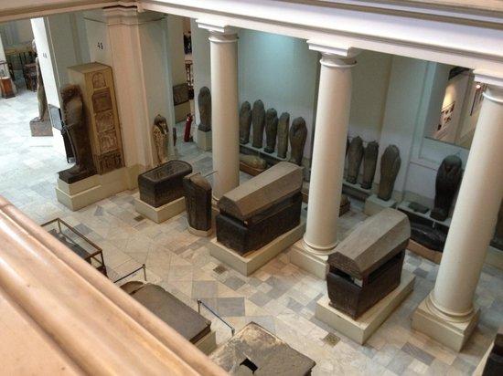Musée égyptien du Caire : Enormous coffins
