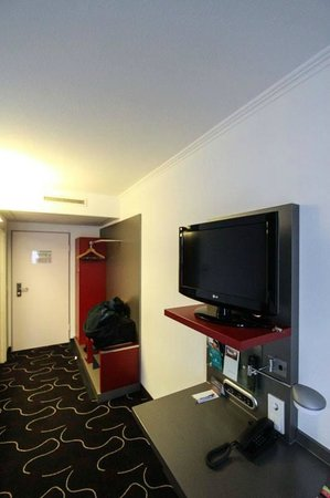 Ibis Styles Stuttgart: Room