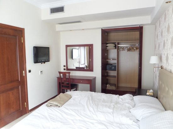 AVA Hotel Athens : Bedroom of Executive Suite