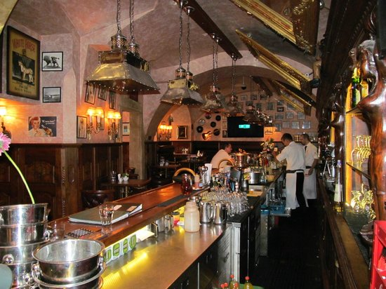 Hotel U Prince: Ground Floor Bar