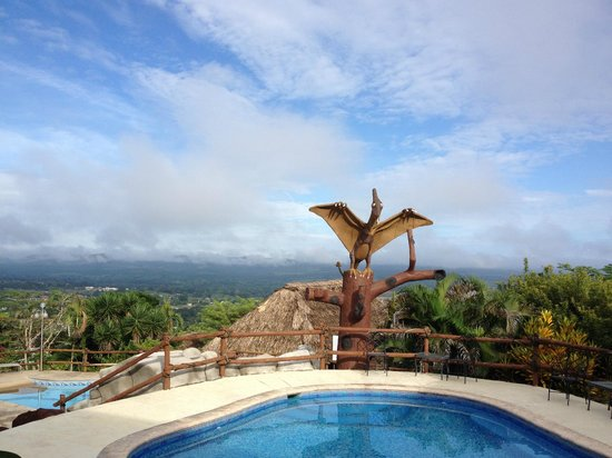 Cahal Pech Village Resort : Upper pool with pterodactyl